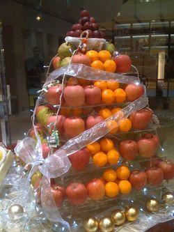 Rawfoodchristmastree_2