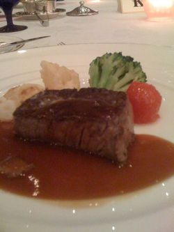 Dinnershowmeat_2